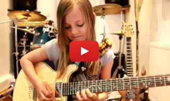 Reprise à la guitare Zoe Thomson